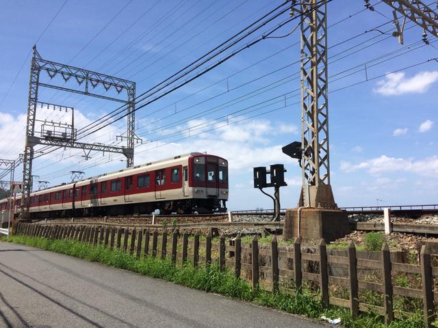 近鉄奈良線 石切駅に向かう(筆者撮影)