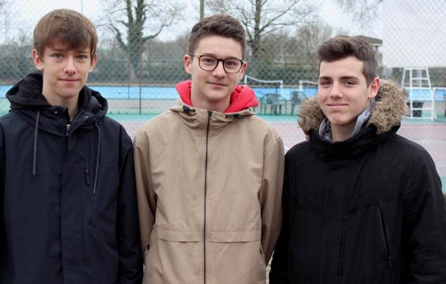 De gauche à droite, Raphaël, Mattieu et Virgile en partance pour le stage territorial
