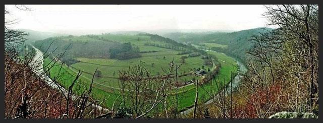 La courbe de l'Ourthe à la Roche Aux Faucons (Photo Avril 2009)