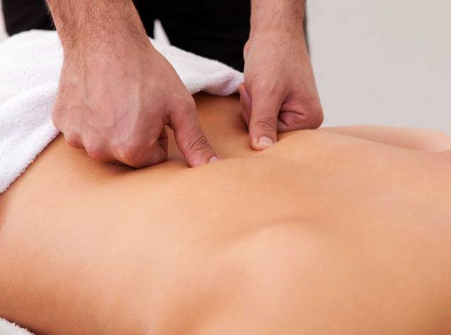 Как делать массаж на позвоночник и поясницу