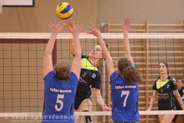 Volleyball Bezirksliga TSV Nesselörden - Tuspo Weende (blau)