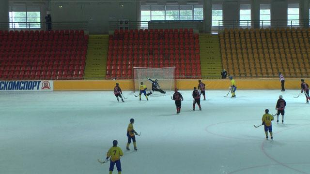 Артём Иванов № 88 открывает счём в матче со Звёздочкой из Северодвинска.