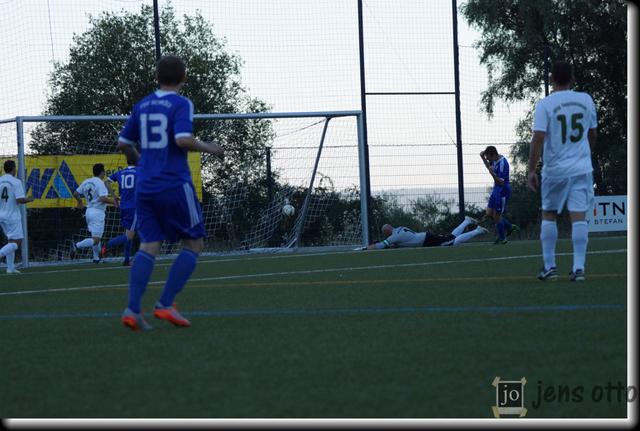 Sven Bartsch erzielt das 1:0 für unseren FSV in der 11. Minute.
