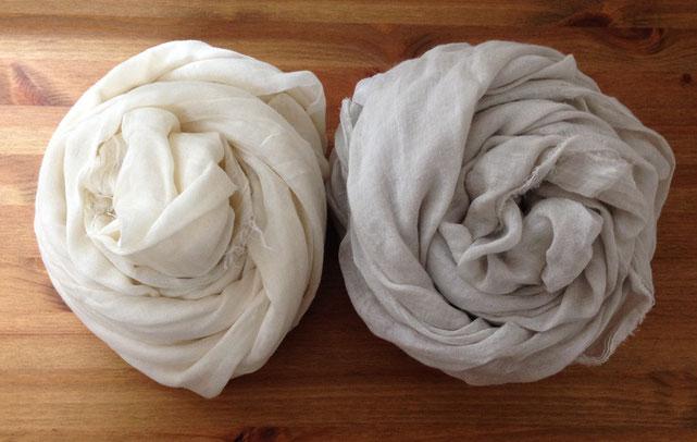 白とホワイトグレーベージュの比較