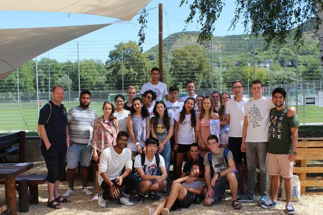 Teilnehmer des Camps mit Karsten Blumentritt (3. v.r. - Vorsitzender unseres Clubs) und Daniel Seiferheld (1. v.l. - Kabinettsbeauftragter Leo/Jugendlager).
