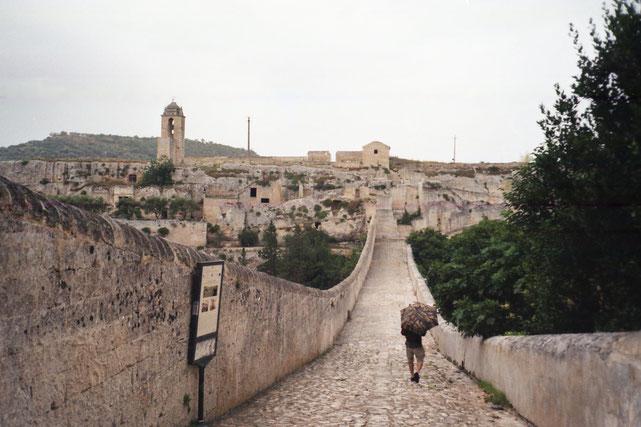 Ponte Viadotto - Aquedotto Madonna della Stella ( Gravina in Puglia)