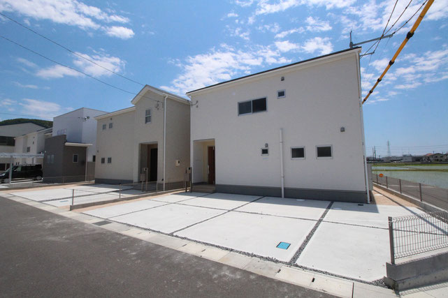 岡山県瀬戸内市長船町の新築 一戸建て 分譲住宅の外観写真