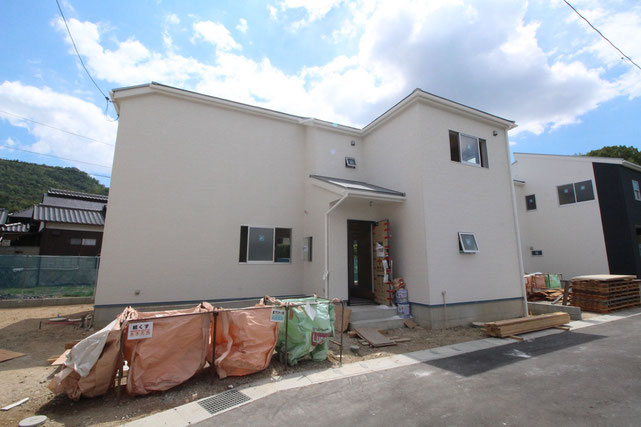岡山県総社市西郡の新築 一戸建て 分譲住宅の外観写真