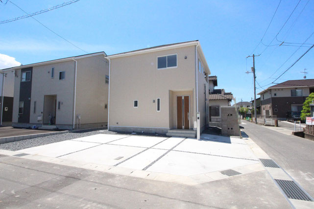 岡山市住所の新築 一戸建て 分譲住宅の外観写真