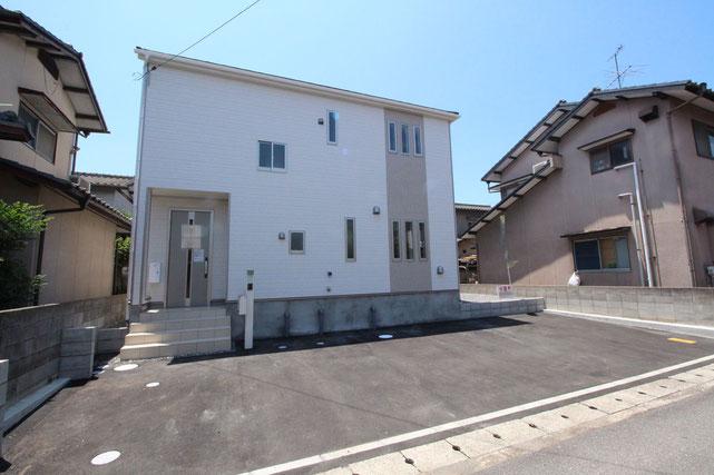 岡山県岡山市東区西大寺東の新築 一戸建て 分譲住宅の外観写真