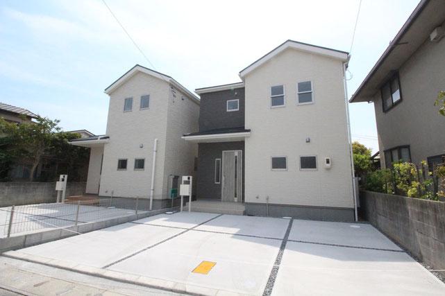岡山県岡山市南区あけぼの町の新築 一戸建て 分譲住宅の外観写真