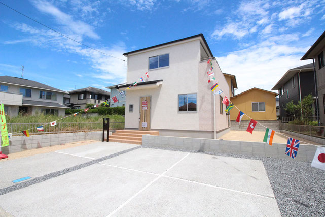 岡山県赤磐市桜が丘西の新築 一戸建て 分譲住宅の外観写真