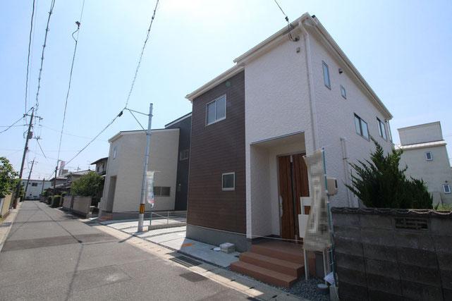 岡山県岡山市北区上中野の新築 一戸建て 分譲住宅の外観写真