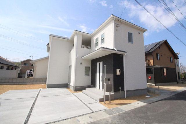 岡山県玉野市長尾の新築 一戸建て 分譲住宅の外観写真