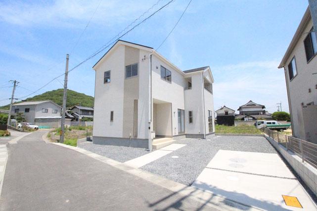 岡山県岡山市北区西辛川の新築 一戸建て 分譲住宅の外観写真