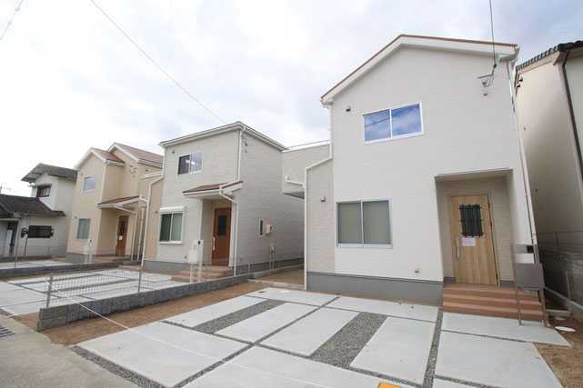 岡山県岡山市中区藤原光町の新築 一戸建て 分譲住宅の外観写真