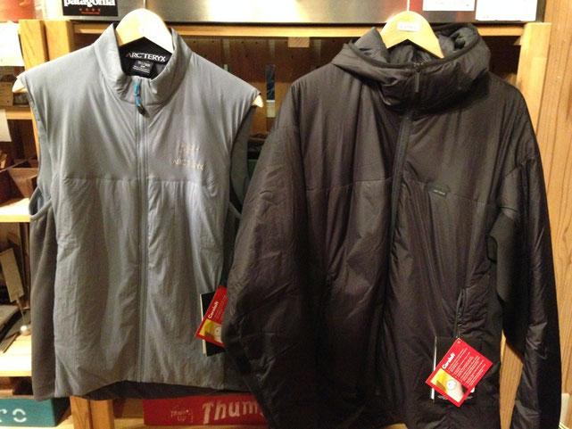 (左) アークテリクス Atom LT Vest(Sサイズ) (右) アークテリクス Aphix Hoody(XLサイズ)