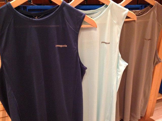 左から Grass Blue、Polar Blue、Feather Grey 各¥6160