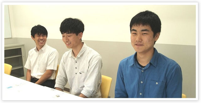 (左から)小林先生、弓矢さん、足助さん