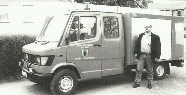 Übergabe Kleinlöschfahrzeug Thüringen und Wehrführer Klaus Köhler