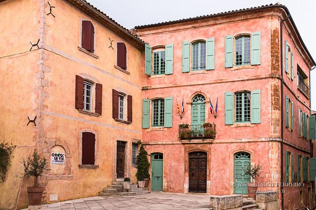 Roussilon, vaucluse, vallis clausa, Luberon, Provence, ocres, ocres de roussillon, pigments naturels, village de provence, erjihef photo, rachel jabot ferreiro