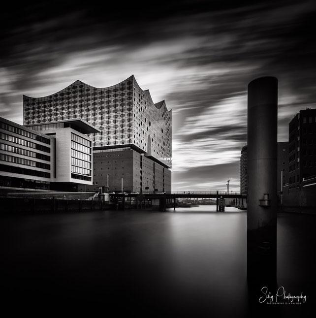 Hamburg / Hafencity / Elbphilharmonie, Langzeitbelichtung, 2017, © Silly Photography