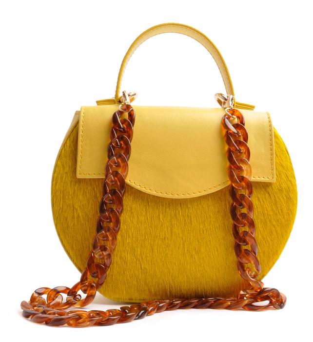 Luxuriöse Dirndltasche aus edlem Leder, in modischem gelb  . Trachtentasche . Henkeltasche . Schultertasche . OSTWALD Traditional Craft