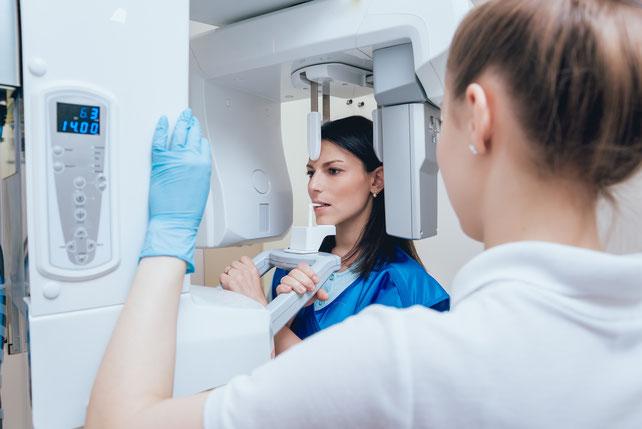 digitales-röntgen-zahnarztpraxis-carina-sell-gießen