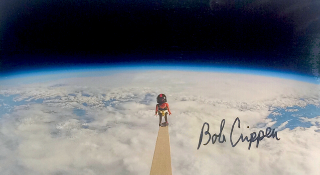 Bob Crippen (1937), retired Astronaut, Pilot of the first Shuttle Flight STS-1, Commander of 4 more flights (STS-7, STS-41-G, STS-41-C, STS-62-A), member of the US Astronaut Hall of Fame, Autograph by Mail