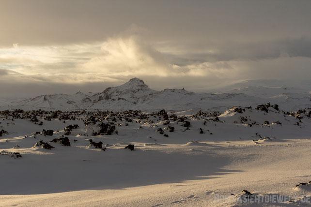 iceland,winterfebruary,light,sunlight,snow,lavafield