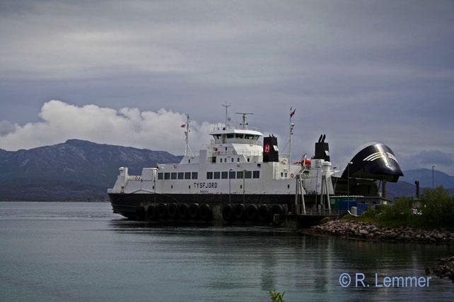 Fähre von Svolvaer nach Skutvik