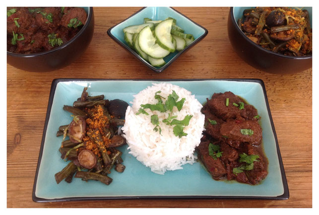 Ketjap boontjes met basmati rijst en sambal goreng daging.