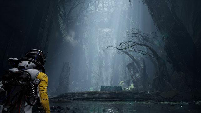 Protagonistin Selene läuft durch eine Ruine im Playstation 5-Spiel Returnal von Housemarque