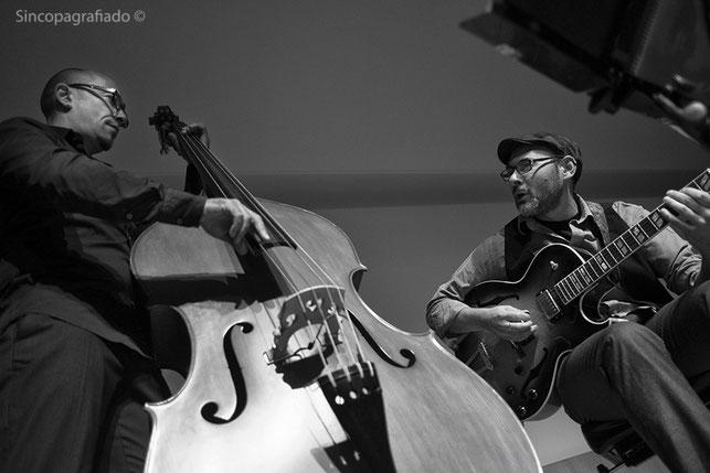 Paco Charlín / Marcos Pin ·  XXIV Festival de Jazz de Lugo  ·  10 / 11 / 2014  · Photo : Rafa Pasadas