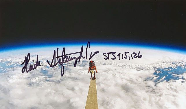 Autograph Heide Stefanyshyn-Piper Autogramm