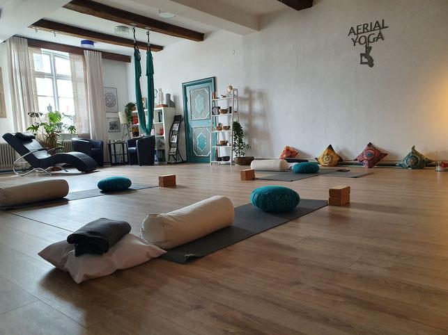 Yoga, passiv, Hatha, entschleunigen, Entspannung, Aerial, Massagen, Auszeit, Dehnung, SPO, St Peter, Sankt Peter Ording