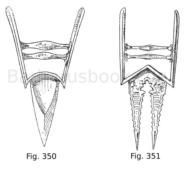 Fig. 350. Indischer Khuttar mit Griff aus Bronze und blattförmiger geschliffener Klinge. Kaiserl. Waffensammlung zu Zarskoë-Selo.