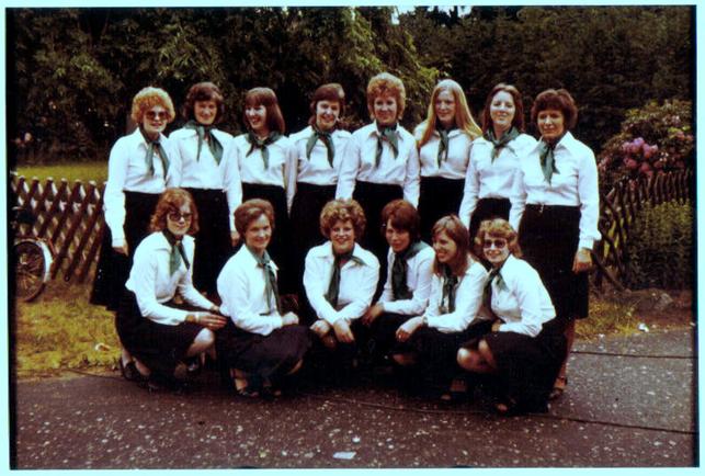 Damenriege im Gründungsjahr 1975