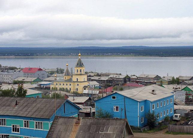 Олёкминск. Вид на Спасскую церковь. Фото Алексея Зуева