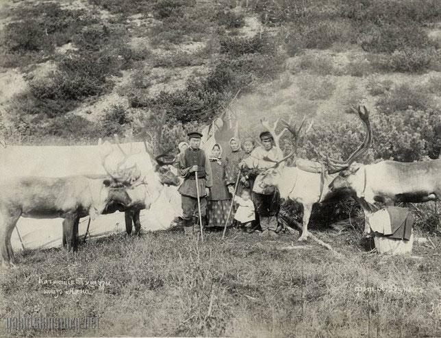 Кочующие тунгузы близ Аяна. Фото: Динесс Агнесса (Аглая) Павловна