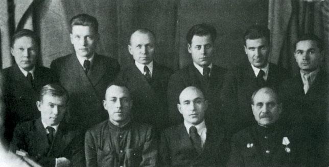 Н.С Горовацкий с коллективом сотрудников