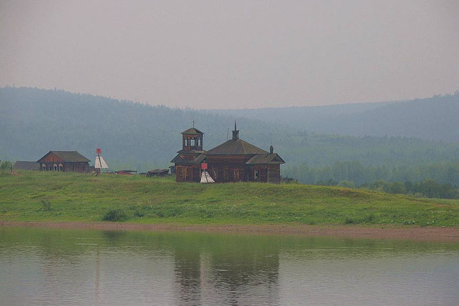 Церковь в с. Мутина. Фото Алексея Зуева