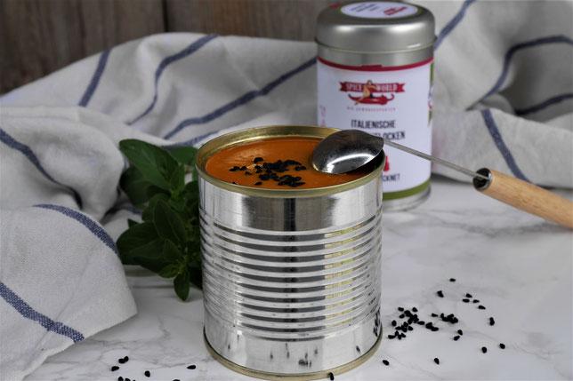 Linsen-Kokossuppe, eine orientalische vegane Suppe mit Linsen und Kokosmilch