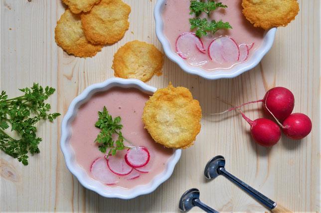 Radieschensuppe mit Parmesancracker, Suppe mit Radieschen, Gemüsesuppe, Suppen Rezept