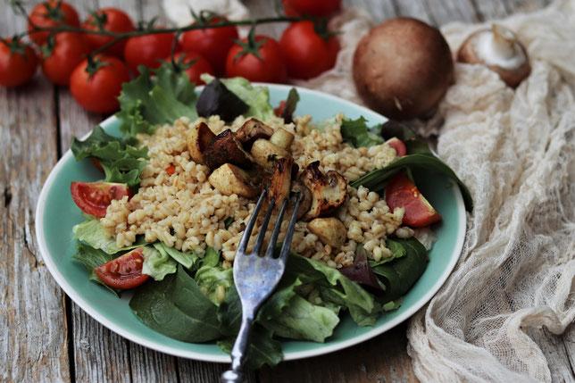 Salat mit Zartweizen und Pilzen