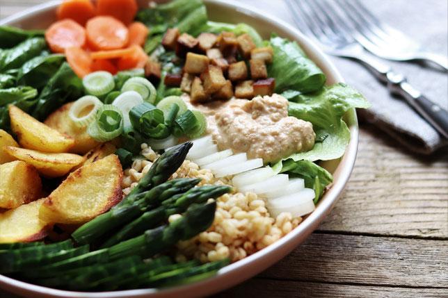 regionale Salatbowl