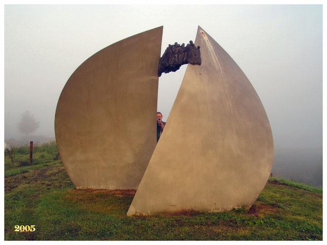 kunstwerk  bisonbaai ook in de mist