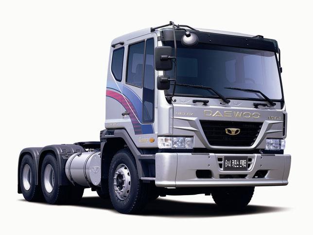 Daewoo Novus 6×4 Tractor Truck