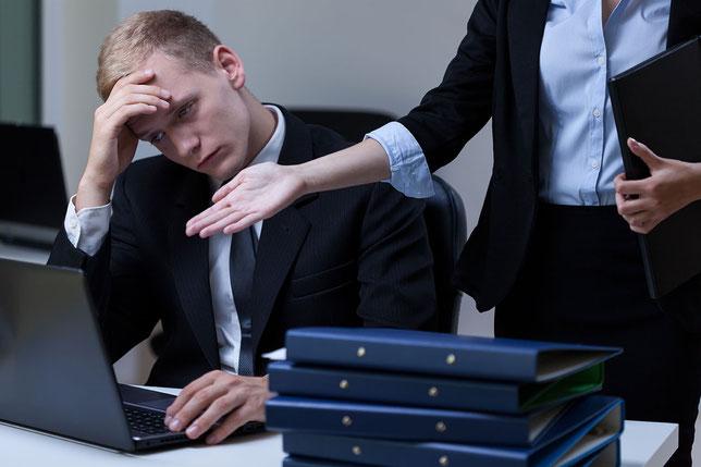 新人、中間管理職、もしくは経営陣が「聞く耳」を持たない