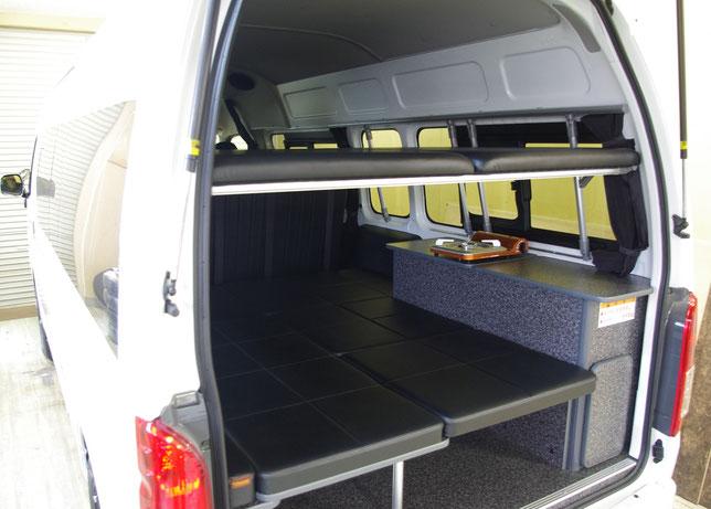 ハイエースに二段ベッドを装備したキャンピングカーを制作しました!